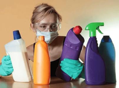 Как не отравиться чистящими средствами