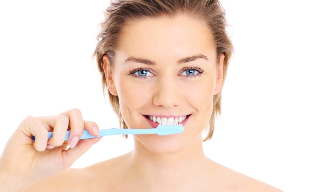 Фтор в зубной пасте укрепляет эмаль и защищает от кариеса