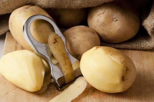 Картофельный сок избавит от повышенной кислотности в желудке