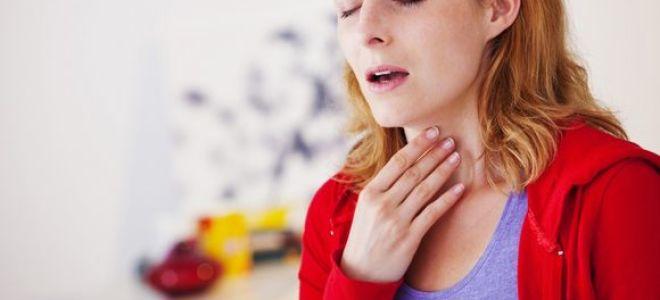 Что делать если болит горло при насморке?