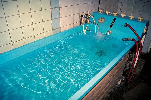 Лечебные ванны для лечения отеков коленного сустава