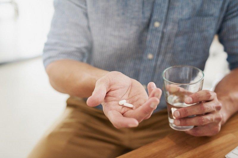 Метод лечения подбирается лечащим врачом, с учетом специфики заболевания, самостоятельно назначать себе препараты категорически запрещено.