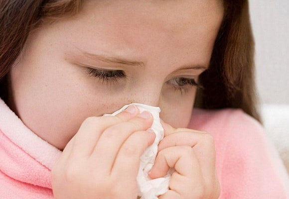 У ребенка болит нос