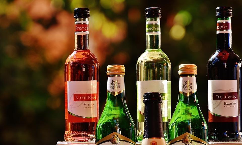 Алкоголь негативно влияет на работу поджелудочной железы