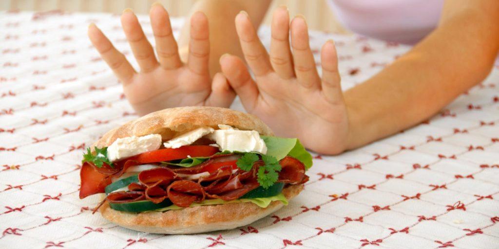 Отказ от еды – это булимия или анорексия?