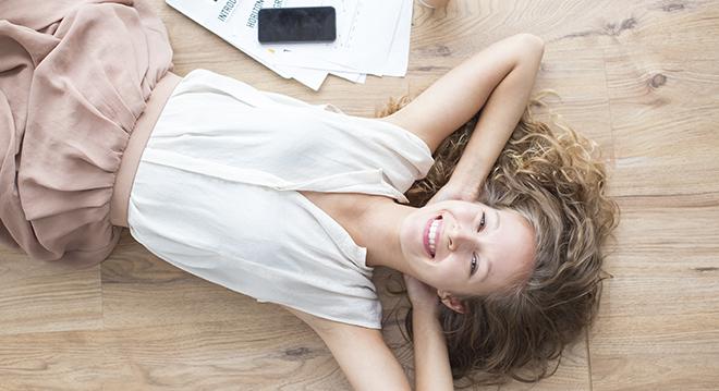 Антидепрессанты, счастливая девушка