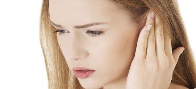 Почему закладывает уши при сильном насморке?