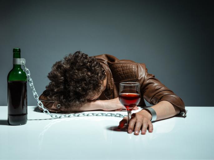 Какой врач занимается алкогольными болезнями печени