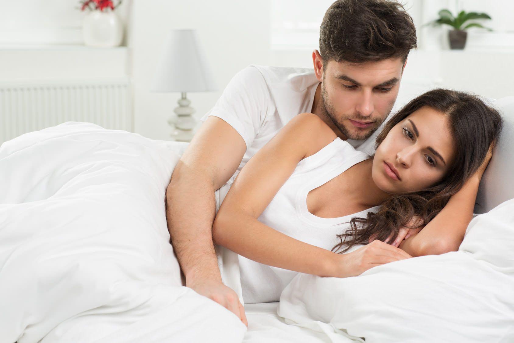 На либидо оказывает влияние изменение гормонального фона в женском организме