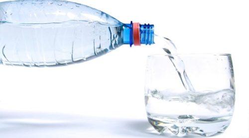 Для улучшения пищеварения следует ежедневно выпивать 2 литра воды