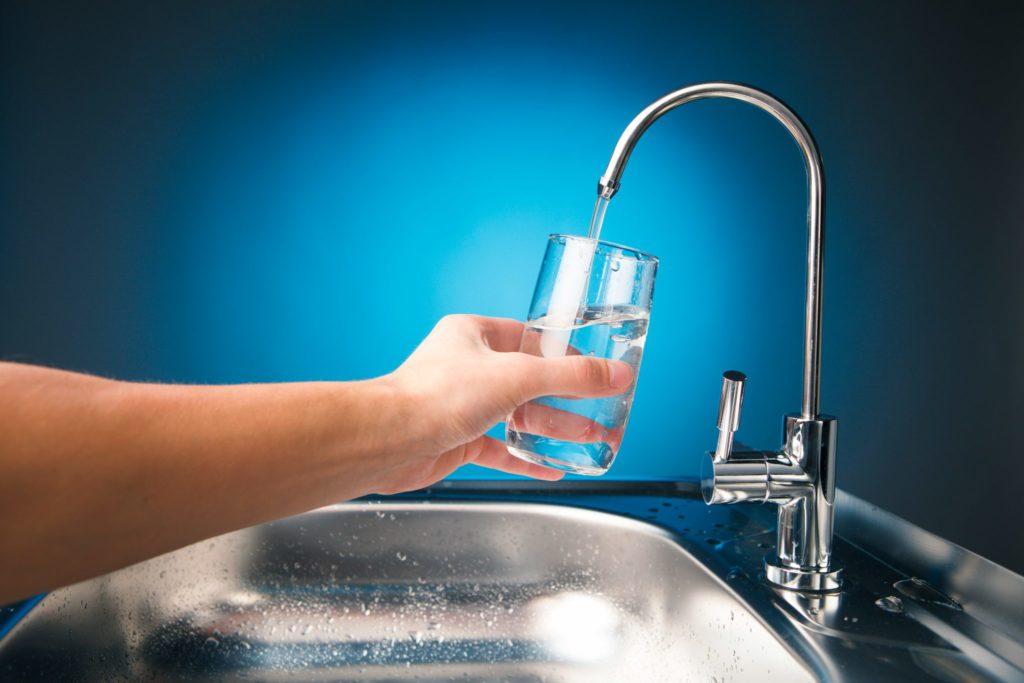 Фторирование воды предотвращает кариес