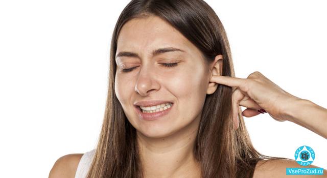зуд и шелушение в ухе
