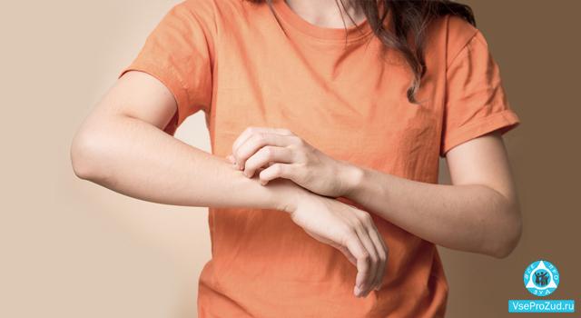 зудящий дерматоз у женщины