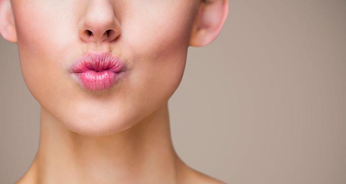 опухла нижняя губа