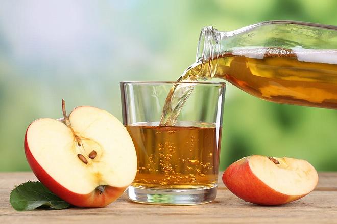 Чистка печени с яблочным соком