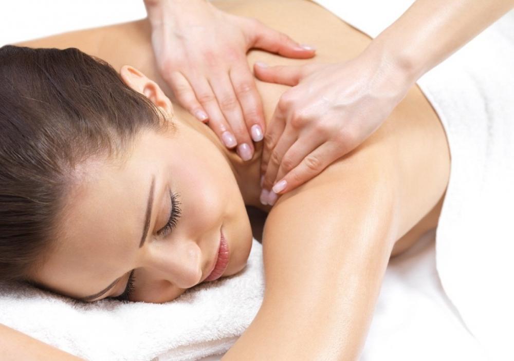 Лечение остеохондроза дома массажем