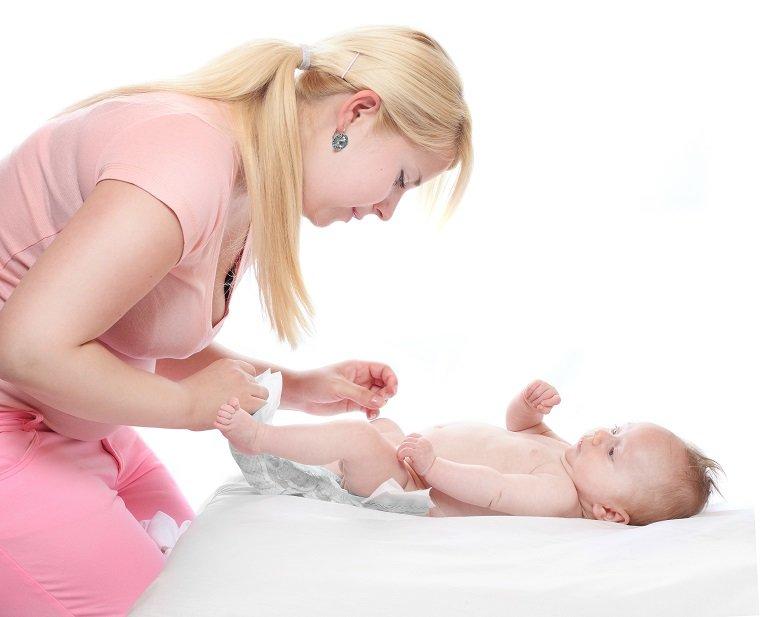 Прежде чем лечить понос у ребенка, необходима консультация врача
