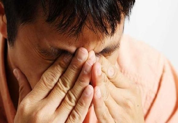 Усталость глаз у мужчины