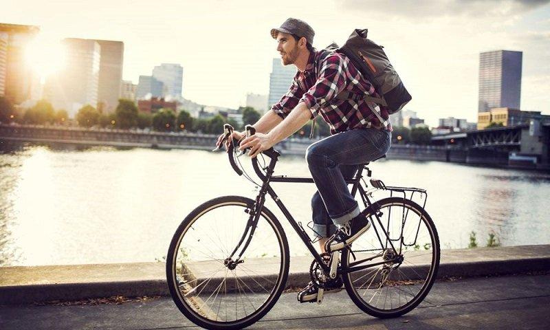 Полезное воздействие езды на велосипеде отмечается только в период стойкой ремиссии, в период обострения она несет опасность.