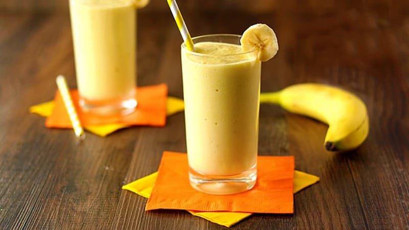 Банановый смузи - идеальный напиток перед тренировкой