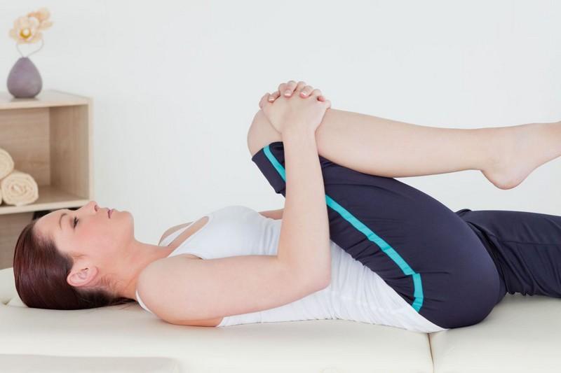 Лечение больного колена в домашних условиях