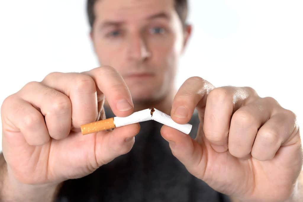 Необходимо полностью отказаться от употребления табачной и алкогольной продукции