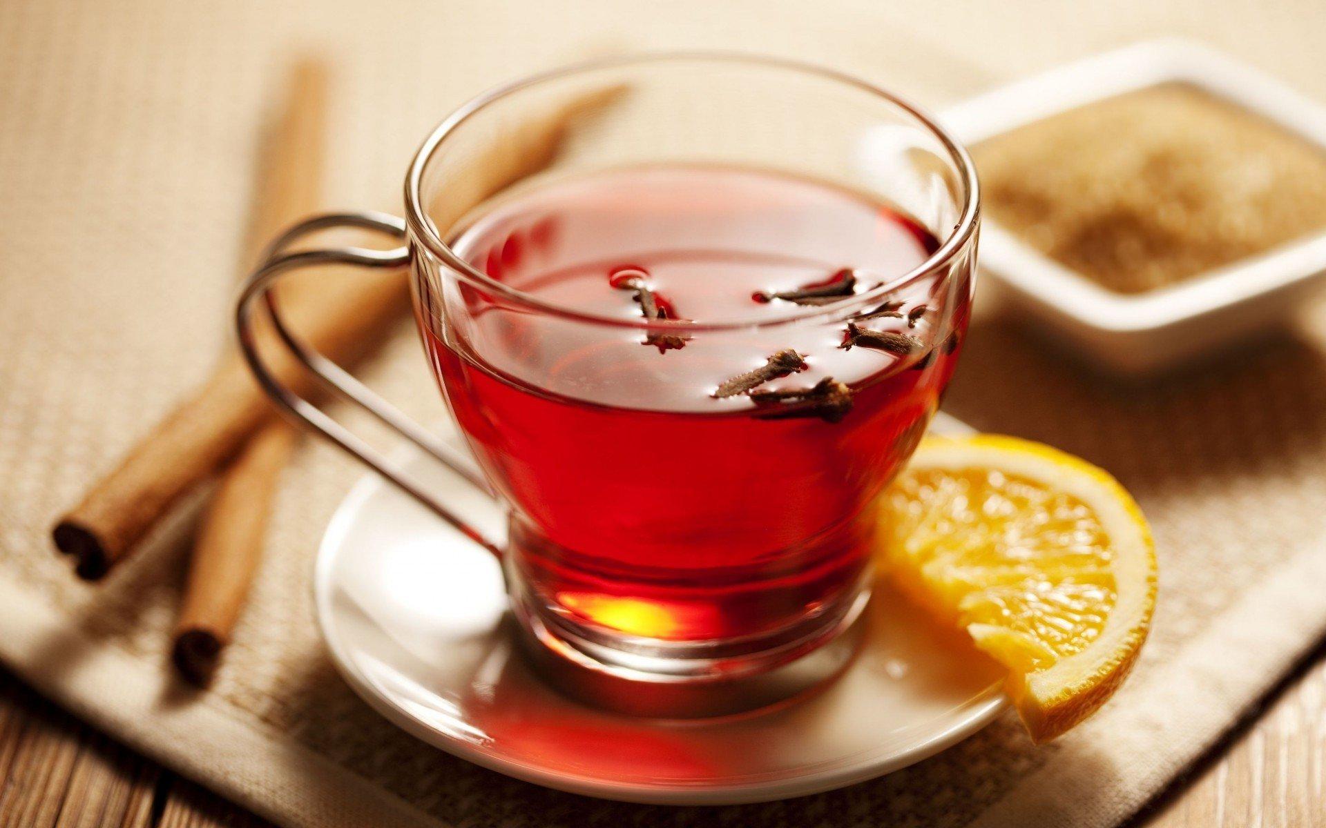 Многие специалисты советуют добавлять в чай корень имбиря