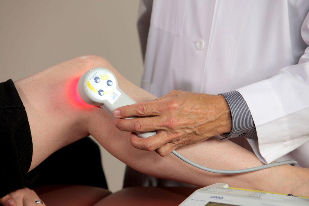 Лечение опухолей колена физиотерапией