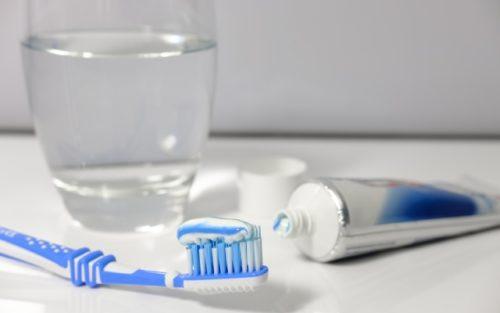 Триклозан входит в состав некоторых зубных паст