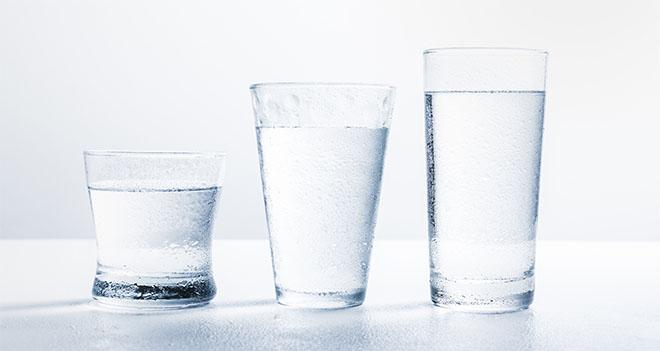 Вода в стаканах