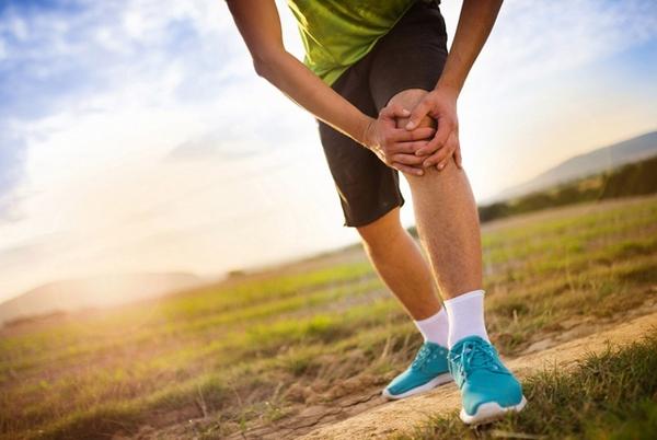 Отекает коленный сустав после ушиба
