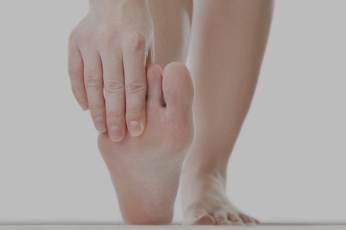 пальцы ног болят