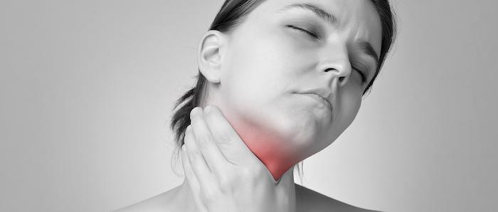 опух язычок в горле