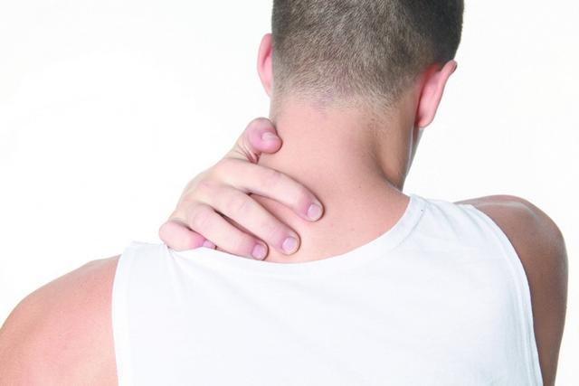 Может ли болеть голова при шейном остеохондрозе