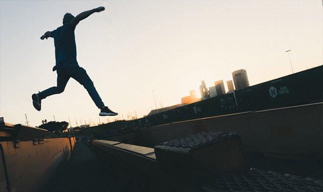 Прыжок по поездам - адреналиновый зацепинг