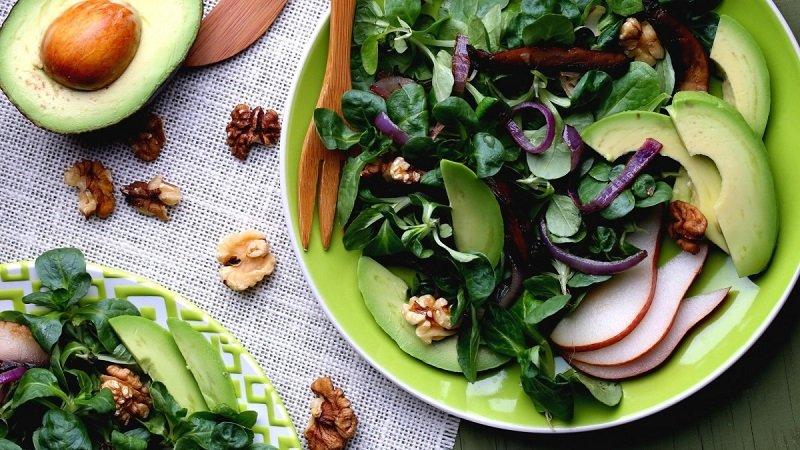 Введение в рацион здоровой пищи помогает улучшить функцию кровообращения, что ускоряет процесс выздоровления.