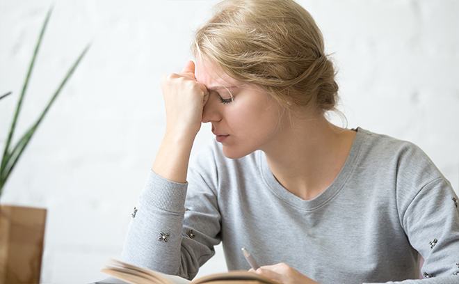 Головная боль у женщины - побочные