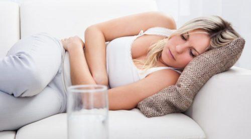 Боль в животе – основной признак дискомфорта в желудке