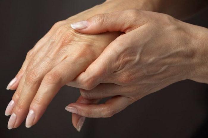 Онемели пальцы на правой руке и опухли thumbnail
