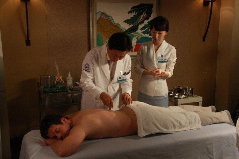 Клиники Китая оснащены современным оборудованием, с помощью которых обеспечивается контроль над состоянием здоровья пациента.